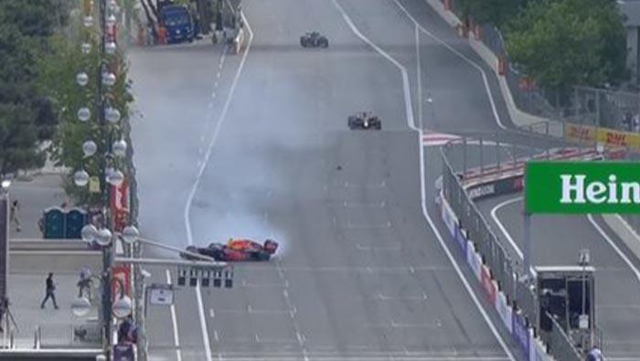 A Pirelli szerint törmelék okozta Verstappen kiesését